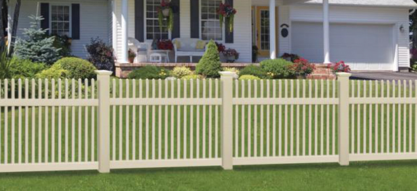vinyl fence in residential front yard